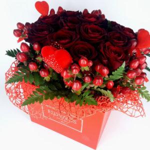 Flowerbox z czerwonymi różami