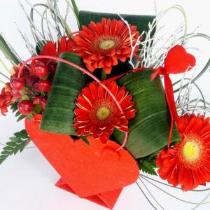 Flowerbox serce z czerwonymi gerberami